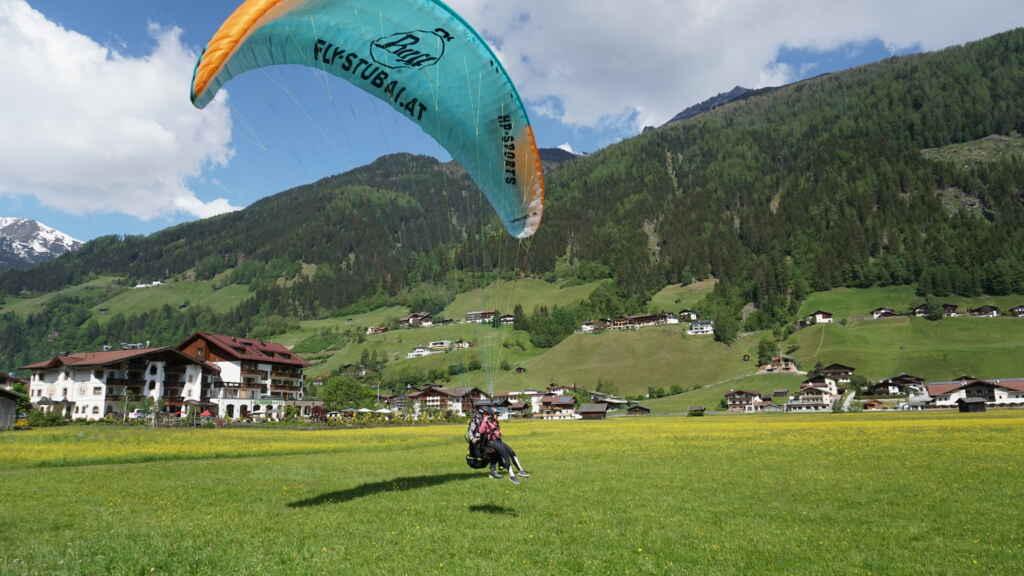 Die Landung beim Tandemflug Tirol mit Fly-Stubai