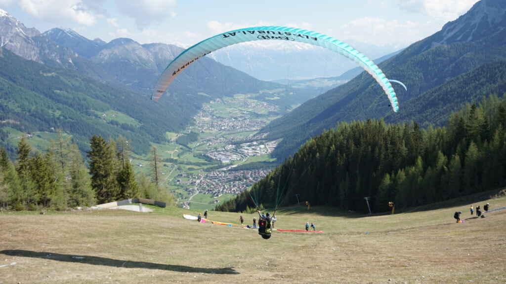 Startphase beim Paragliding Stubaital mit Fly-Stubai