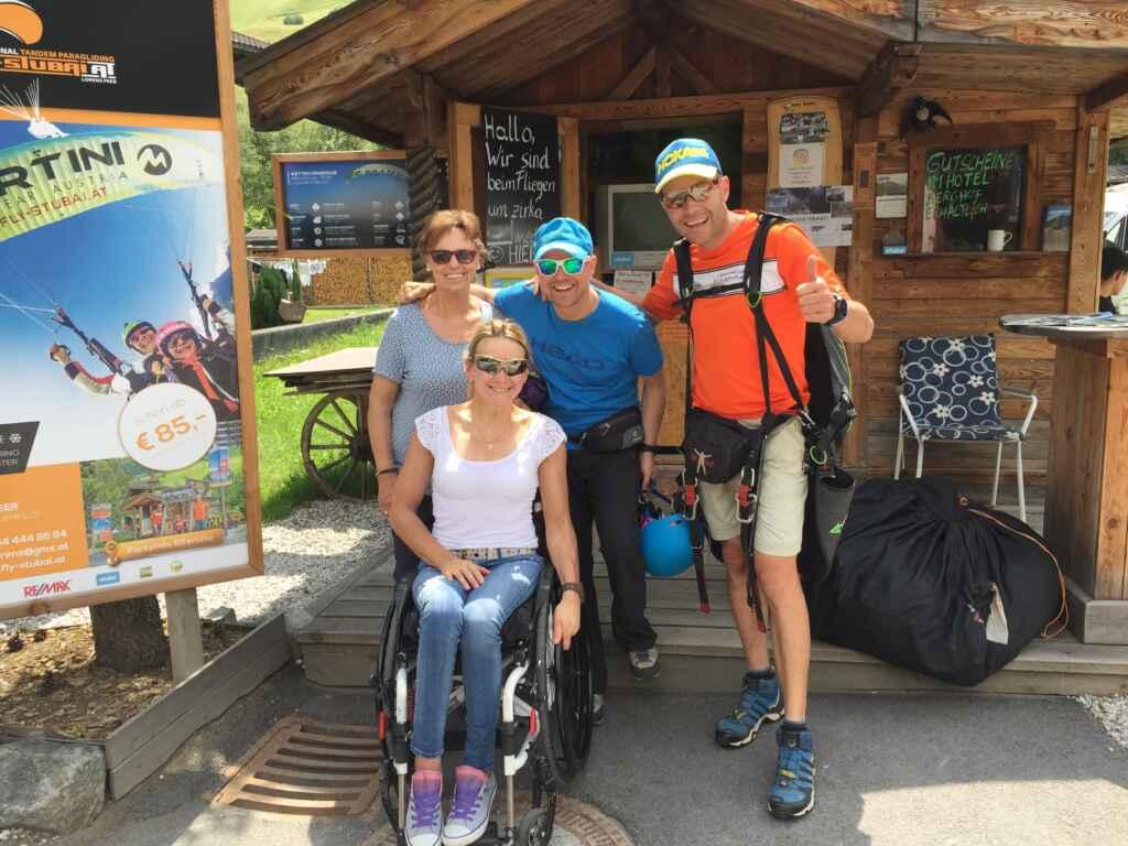Tandem Paragliding mit Gehbehinderung und Rollstuhl